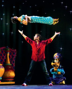 Mickey's-Magic-Show-J-web